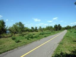 Bike Trail towards Parc-nature de la Pointe-aux-Prairies